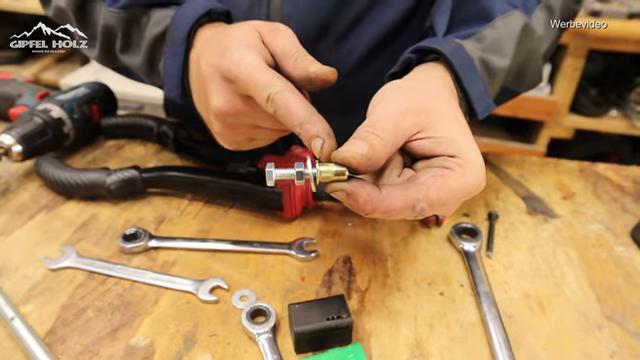 Nietmutter ohne Werkzeug einbauen