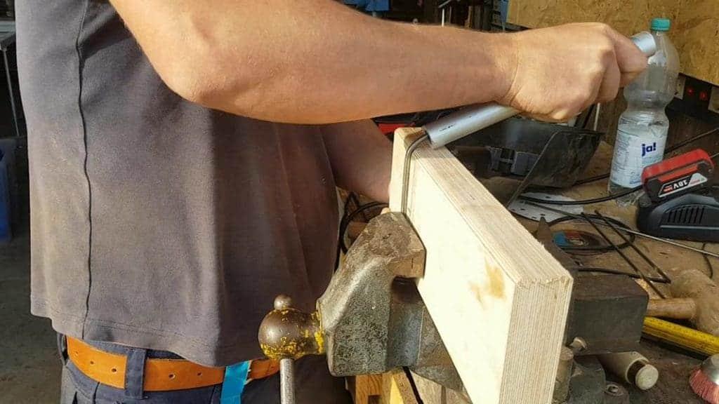 Metall biegen mit Holz