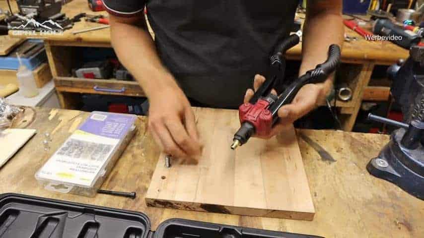 Einzugmutter in Holz